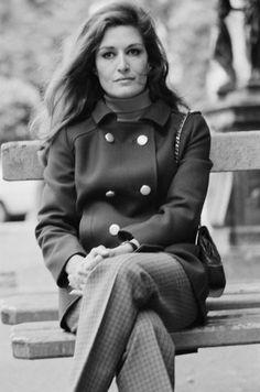 Dalida © 1967 Mod Fashion, Fashion Mode, Dalida, Famous French, Arabic Art, Gorgeous Women, Style Icons, Athlete, Singer