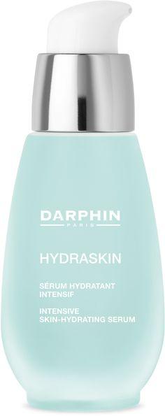 Darphin Hydraskin Serum gebruikt u om de vochtarme huid weer soepel en zacht te maken. Het trekkerige gevoel verdwijnt en de huid krijgt haar natuurlijke glans weer terug.  Verwen uw huid met de zintuiglijke gezichtsverzorgingsproducten van Darphin. De gezichtsverzorging van Darphin is persoonsgericht dankzij het samenspel van serums, aromatische oliën en crèmes wordt een optimaal resultaat bereikt.