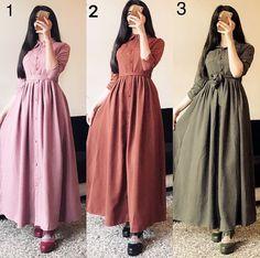 Pinterest @adarkurdish Islamic Fashion, Muslim Fashion, Modest Fashion, Fashion Dresses, Simple Dresses, Nice Dresses, Modele Hijab, Mode Abaya, Sleeves Designs For Dresses