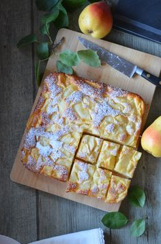 Discover recipes, home ideas, style inspiration and other ideas to try. Pear Dessert Recipes, Pear Recipes, No Bake Desserts, French Food, Afternoon Snacks, Chorizo, Tofu, Blog, Food And Drink