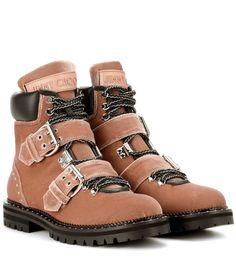 JIMMY CHOO . #jimmychoo #shoes #stiefeletten