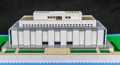 https://flic.kr/p/UZAcAk | National Museum of American History | This is my first original MOC.  It is the American History Museum on the National Mall in Washington D.C.  It uses the same scale as the Lincoln Memorial and U.S. Capitol Building.