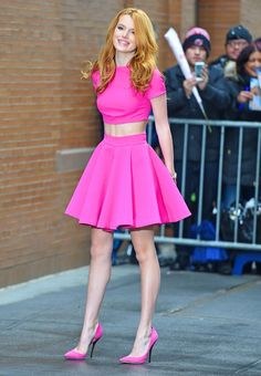 Bella Thorne in total Pink. I think this was my favorite 💗🌸🌺 Vintage Outfits, Pink Outfits, Sexy Outfits, Cute Outfits, Fashion Outfits, Bella Thorne And Zendaya, Bella Throne, Mode Kawaii, Beautiful Redhead