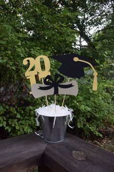Graduación fiesta centro de mesa por PeanutGalleryStore en Etsy