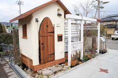 お庭が狭い場合の遮蔽(目隠し)を目的とした庭小屋