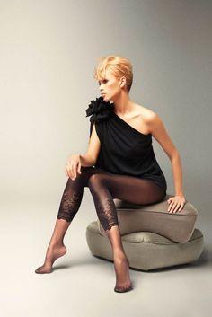 Pour connaître les détails de ce produit, cliquez sur ce lien --> http://www.shoes-cancan.com/scfr/bolero-collant-empreinte-legging-noir-20-40-den-veneziana.html