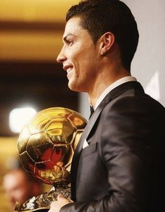 Ronaldo The Best Player in The World Cristiano Ronaldo Cr7, Christano Ronaldo, Cr7 Vs Messi, Best Football Players, Good Soccer Players, Fifa, Portugal National Football Team, Ballon D'or, James Rodriguez