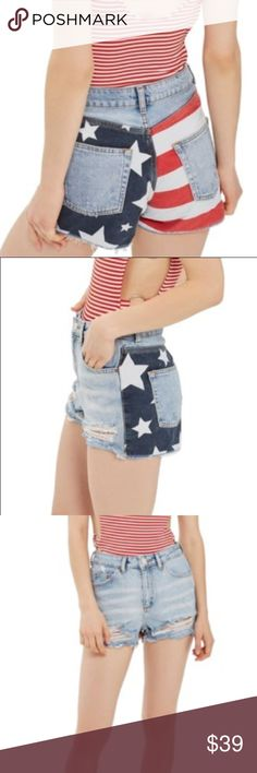Topshop flag ripped mom shorts NWT, please see photos for sizing recommendations, Topshop Shorts Jean Shorts