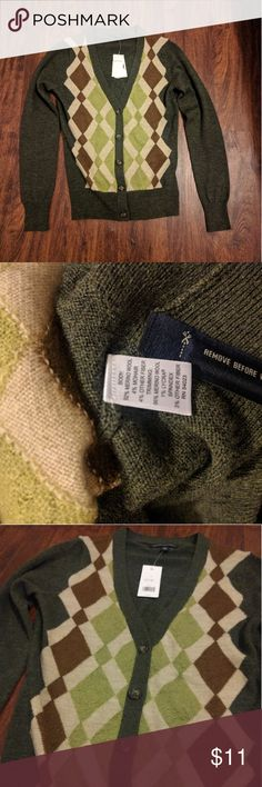Banana Republic Cardigan (Read Description) New with tag but does have damages (holes), seen in the 4th, 6th and 7th picture. Thankfully the sweater comes with extra thread to fix it. Banana Republic Sweaters Cardigans