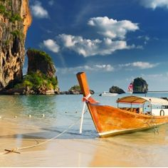 WOW, just beautiful! Bangkok & Phuket: 10 d& & vuelos Playa Railay, Railay Beach, Île Phi Phi, Warhammer Age Of Sigmar, Bag Essentials, Diy Simple, Travel Scrapbook, Honeymoon Destinations, Boats