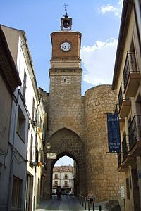 PUERTA DE LA VILLA con la Torre del Reloj Almazán. Soria San Francisco Ferry, Big Ben, Spain, City, Building, Clock, Wikimedia Commons, Travel, Medieval
