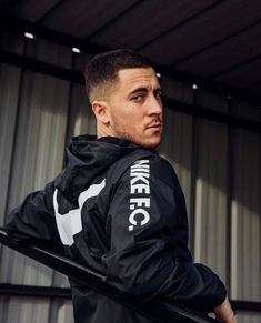 Chelsea Fc, Chelsea Football, Football Is Life, Football Players, Nike Football, Hazard Real Madrid, Eden Hazard Chelsea, Real Madrid Wallpapers, Chelsea Players