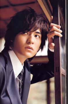 there is just something about older (classy) men.they are just so damn sexy. Korean Actresses, Asian Actors, Korean Actors, Vic Chou, Pride & Prejudice Movie, Thick Eyebrows, Meteor Garden, Classy Men, Face Expressions