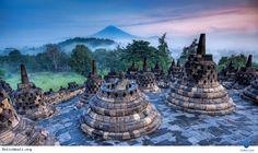 Du lịch Bali- Vừa qua, ngành du lịch của đất nước Indonesia đã lên kế hoạch phát triển thêm 10 địa điểm du lịch mới. Mục tiêu của ngành du lịch Indonesia trong năm 2015 là sẽ thu hút được 10 triệu lượt du khách và sau 5 năm nữa sẽ đạt 20 triệu lượt du khách mỗi năm, nâng tổng số lao động trong lĩnh... Xem thêm: http://dulichbali.org/indonexia-phat-trien-them-10-dia-diem-du-lich-moi-pn.html