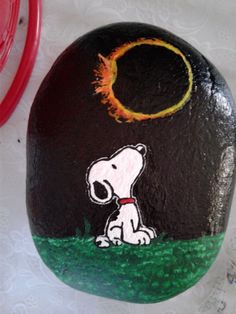 Custom Acrylic Hand Painted Peanuts Snoopy watching Eclipse on rock stone art  #Snoopy #Peanuts #Eclipse