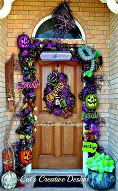 Cat S Holiday Amp Home Decor Halloween Adornos Halloween Halloween Veranda, Casa Halloween, Halloween Outside, Outdoor Halloween, Halloween Doorway, Halloween Porch Decorations, Halloween Home Decor, Holidays Halloween, Halloween Crafts
