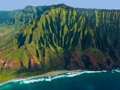 To hike the Kalalau Trail on the Na Pali Coast (Hawaii, USA) 'Make a gentle oceanic journey. For hikers, Keʻe Beach is the entry point for the rugged 11-mile-long Kalalau Trail. http://www.lonelyplanet.com/usa/hawaii/kauai/travel-tips-and-articles/77503