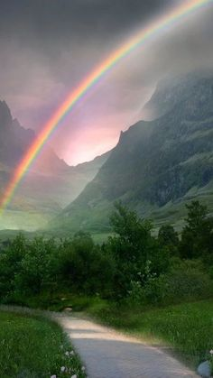 Ravishing Rainbow Photography For That Rare And Picturesque Look - Bored Art Rainbow Magic, Rainbow Sky, Love Rainbow, Rainbow Colors, Beautiful Sky, Beautiful Landscapes, Beautiful World, Beautiful Places, Rainbow Photography