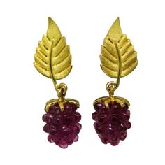Adorable Tiffany & Co Gold Carved Gemstone Raspberry Drop Earrings, 18k yellow gold earrings by Tiffany & Co with carved raspberry gemstone - pink tourmaline ? or amethyst ? 20th Century. 1stdibs.com.