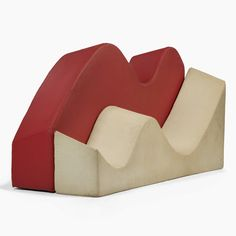 Couches - Archizoom Associati - R 20th Century Design. Description: Archizoom. 'Superonda', designed in 1966. H. 108 (70) x 240 x 35 (70) cm. Made by Archizoom Associatio, Milan (attributed), c. 1966-68. Polyurethane foam, plastic covers in red and white.