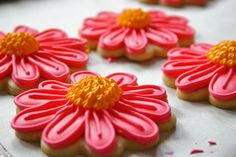 Recipes, tutorials, and food photography on gluten free baking and sugar cookie decorating. Recipes, information, decorating, baking.