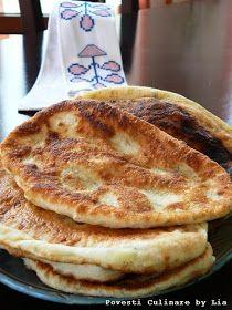 Placinte cu varza Read Recipe by Good Food, Yummy Food, Tasty, My Favorite Food, Favorite Recipes, Hungarian Recipes, Romanian Recipes, Recipe Mix, Read Recipe
