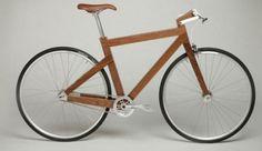 Lagomorph Design houten fiets, het rechthoekige hout geeft een strak en apart effect.