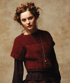 Have pattern and red yarn. Need to start knitting by October. Plan to make it a bit longer.