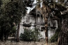 Terrifying Haunted Houses Photography