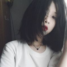 if only I could pull off this hair Hipsters, Medium Hair Styles, Short Hair Styles, Ulzzang Short Hair, Pretty People, Beautiful People, Girl Korea, Uzzlang Girl, How To Pose