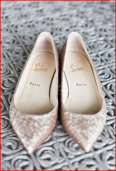 Save your feet pain and rock some gorgeous sparkly flats <3