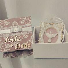 Belíssima caixa para convite de padrinhos!  Mimos de caixa. Um mimo de presente. #caixaespiritosanto - mimosbabyartes