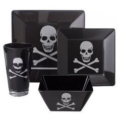 Black Skull Dinner plates and glasses