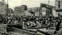 15-16 Haziran 1970;iktidar, işçiler geçmesin diye Galata Köprüsü'nü kaldırınca işçiler kayıklarla karşıya geçiyorlar.