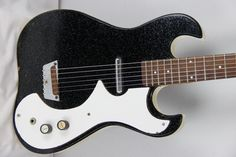 Danelectro: an example of the swaying offset design.