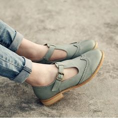 So cute, too bad they're leather. New style female Korean oxfords shoes British style carved leather shoes casual high quality women shoes #C072 #oxfordshoesoutfit