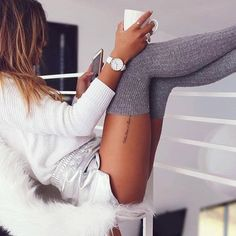 Sexy Coffee with Karissa Café Sexy, Sexy Legs, Thigh High Socks, Thigh Highs, Tigh Tattoo, Style Année 80, Foto Casual, Casual Chic, Sexy Socks