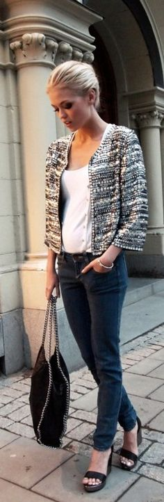 Simple Outfit Gone Fab.We Love Our Cropped Jackets! - textured crop jacket with skinny jeans. Switch to flat and you have your casual Friday. Look Fashion, New Fashion, Autumn Fashion, Womens Fashion, Fashion Trends, Fashion Beauty, Fashion Design, Looks Street Style, Looks Style