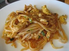 Delicious Gluten Free Pad Thai that is ready in less than 30 mins. @Rob Lowe