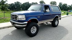 1996 Ford Bronco 351 CI, Automatic presented as lot at Dallas, TX - Today Pin Diesel Trucks, Lifted Trucks, Cool Trucks, Pickup Trucks, Lifted Dually, Ford Bronco 1996, Ford 4x4, Ford Bronco Lifted, Old Bronco