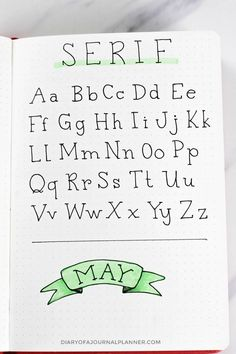 Lettering Fonts Discover Bullet Journal Fonts Fonts For Bullet Journal You Need To Try!) Looking for bullet journal fonts to embellish your journal and improve your handwriting? Check the amazing fonts for bullet journal that you can try today! Bullet Journal Fonts Hand Lettering, Bullet Journal Writing, Bullet Journal Ideas Pages, Bullet Journal Numbers, Bullet Journal Easy, Handwriting Alphabet, Hand Lettering Alphabet, Doodle Lettering, Simple Calligraphy Alphabet