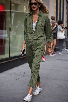 Nadire Atas on Street Fashion Week Get to know the colour DNA of New York's freshest street style with our Topshop pin palette. Fashion Mode, Look Fashion, Womens Fashion, Street Fashion, Street Looks, Street Style, Mode Outfits, Fashion Outfits, Summer Outfits