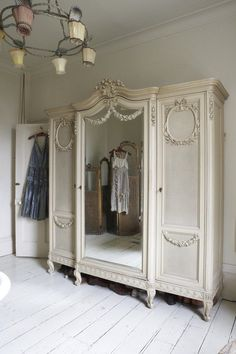 white wood wardrobe armoire shabby chic bedroom. Love French Bulldogs \u2014 Heartbeatoz: (via ZsaZsa Bellagio: Shabby Chic) White Wood Wardrobe Armoire Chic Bedroom