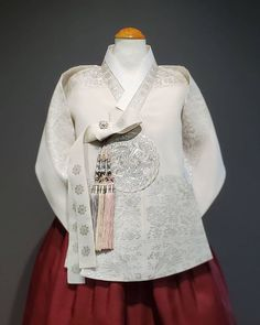 𝗕𝗗𝗞 MINT hanbok (@bdkmint) • Instagram photos and videos Victorian, Culture, Photo And Video, Videos, Handmade, Photos, Image, Instagram, Dresses