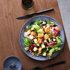 Een gezond recept voor Gemengde salade met zalm, klaar in 5. Maak dit gerecht of bekijk andere slanke WW (Weight Watchers) recepten. Pasta Salad, Cobb Salad, Weigt Watchers, Go For It, Lunch, Food, Slim, Crab Pasta Salad, Eat Lunch