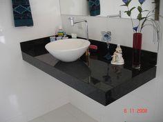 bancada para banheiro em granito negro com cuba superior