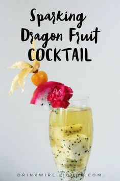This #sparkling #dragonfruit drink is the perfect #cocktail for any occasion!