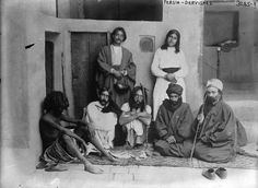 Gruppo di Sufi persiani 1910-1915 (Visita il nostro sito templedusavoir.org)