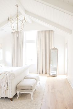 Real Home Inspiration: white living room interior design only on this page Elegant Home Decor, Elegant Homes, Home Bedroom, Diy Bedroom Decor, Bedroom Ideas, Airy Bedroom, Bedroom Signs, Decorating Bedrooms, Master Bedrooms