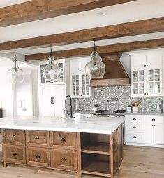 35 Inspirational white farmhouse style kitchen ideas to maximize kitchen . - 35 Inspirational White Farmhouse Style Kitchen Ideas To Maximize Kitchen Design # Farmhouse style k - Home Kitchens, Rustic Kitchen, Kitchen Remodel, Kitchen Dining Room, Modern Kitchen, Home Decor Kitchen, Kitchen Interior, Interior Design Kitchen, Farmhouse Style Kitchen